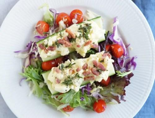 Agurke-både med æggesalat