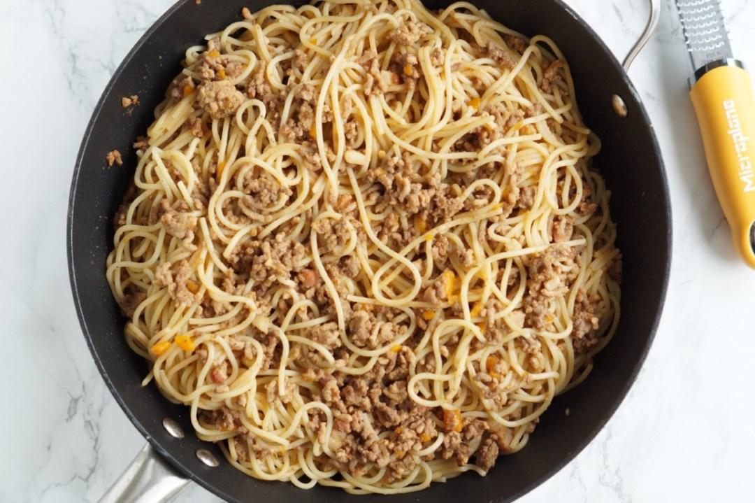 pasta med kødsovs