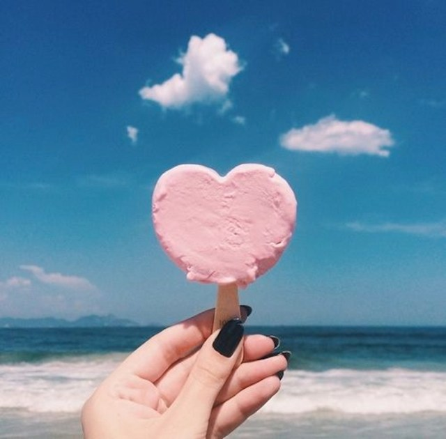 heart ice cream beach