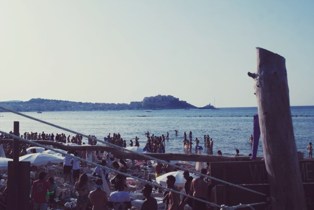 40 Calvi on the rocks 2015 - plage in casa