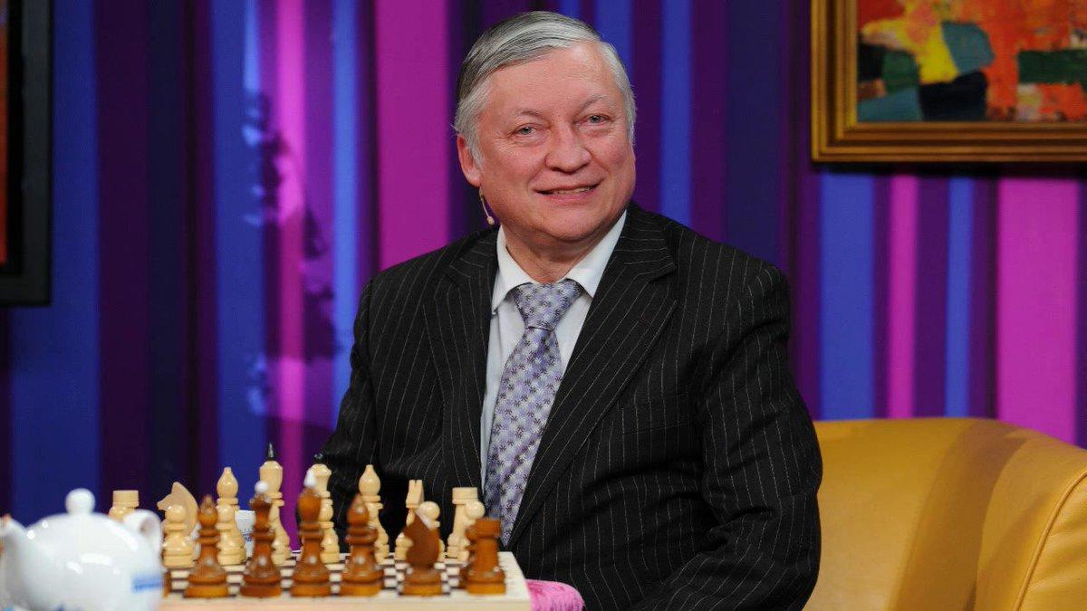 Lo scacchista Anatolij Evgen'evič Karpov