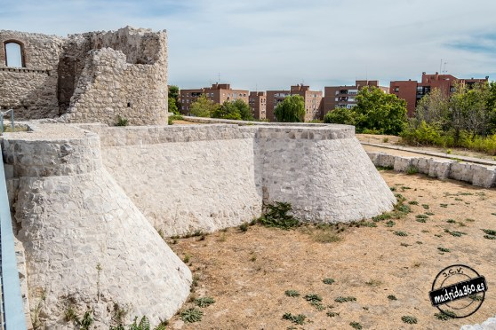 CastilloBarajas0125