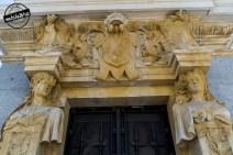 Decoración de la entrada al mirador