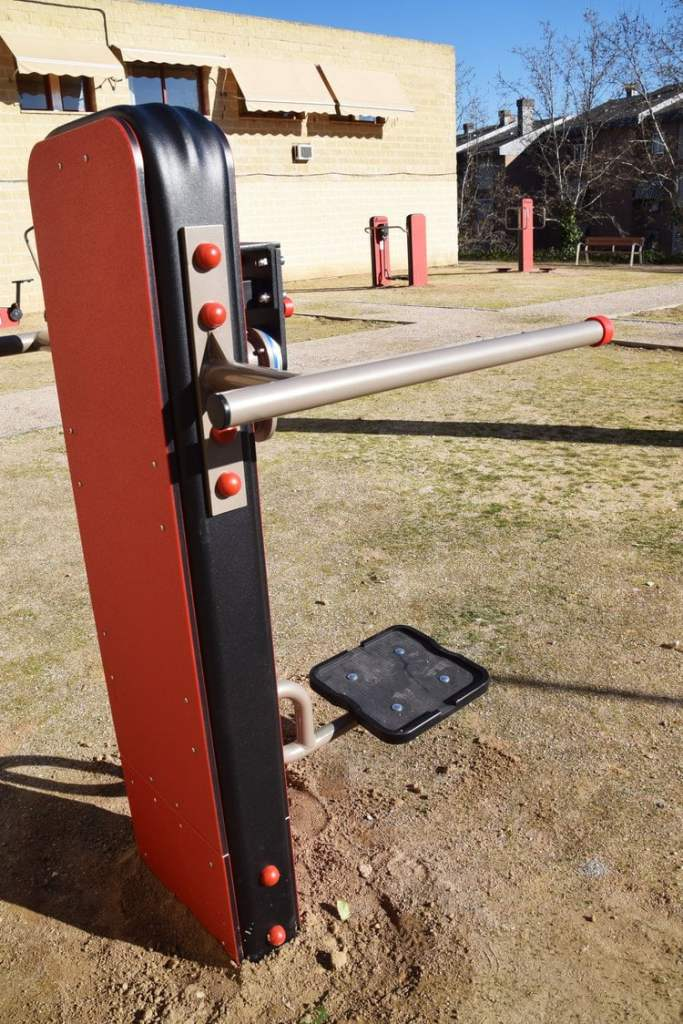 Villaviciosa instala un gimnasio al aire libre 1