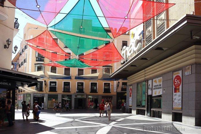 Rompelanzas: la calle más corta y transitada de Madrid 1