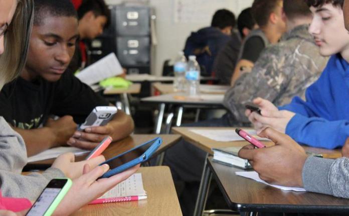 teléfonos móviles colegios