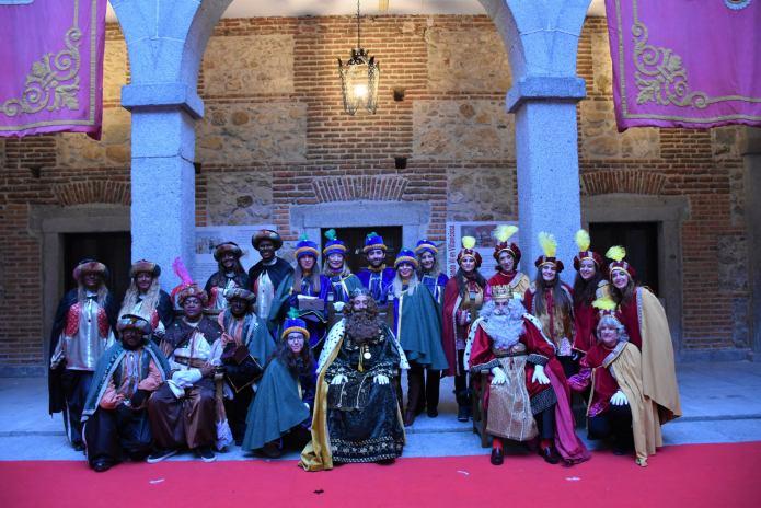 En imágenes | Sus Majestades Los Reyes Magos llegaron a Villaviciosa de Odón con una gran comitiva real 1
