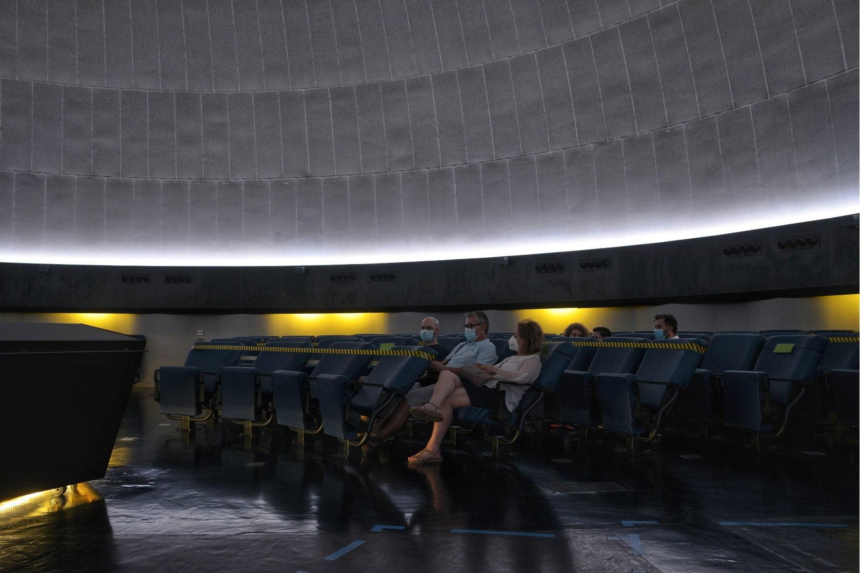Regreso al espacio profundo en el Planetario 8