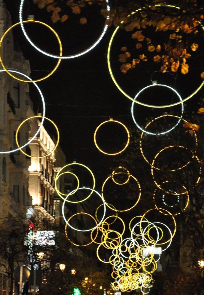 La luz de la Navidad inunda Madrid 8