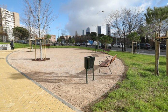 El nuevo jardín de Ribadavia abre sus puertas en el barrio del Pilar 1