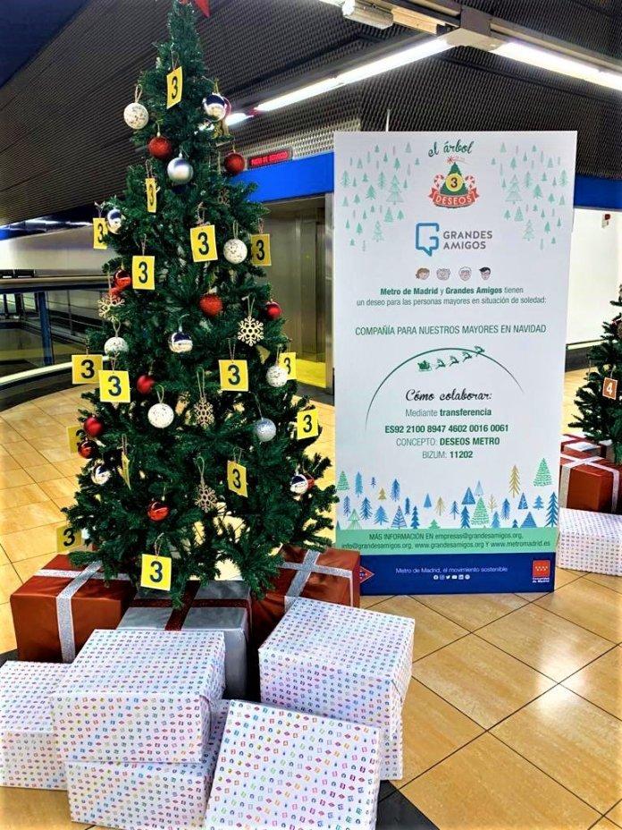 Un Metro, doce causas: un árbol de Navidad solidario en cada línea 4