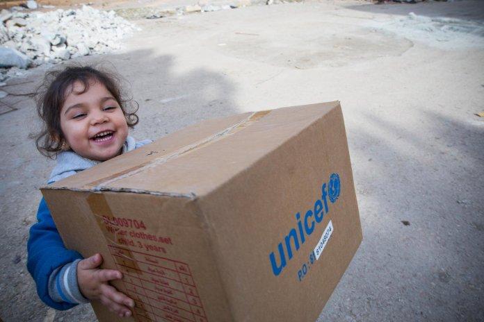 Envía cajas llenas de vida con Regalo Azul de UNICEF 3