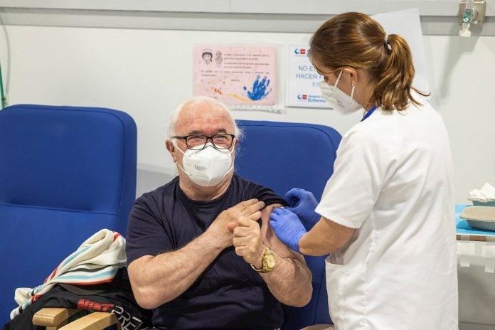 """Confinamientos, test masivos y un llamamiento: """"confíen en las vacunas"""" 2"""