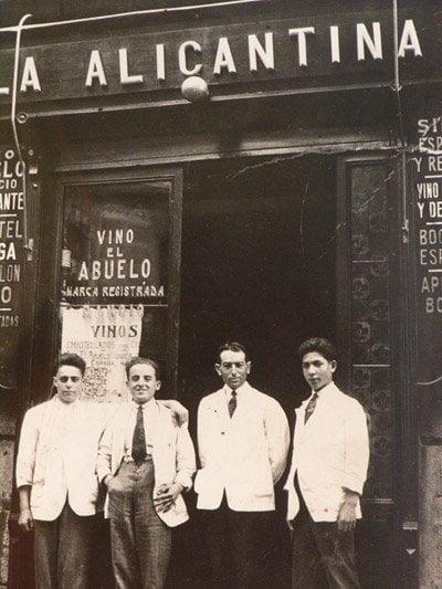 """Gambas centenarias en """"La Casa del Abuelo"""" 1"""