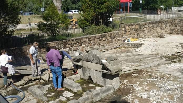 Comienzan los trabajos de restauración en la Fuente de las Ermitas de Manzanares 2