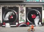 grafiti cierre local pub
