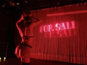 For Sale, Cabaret en estado puro
