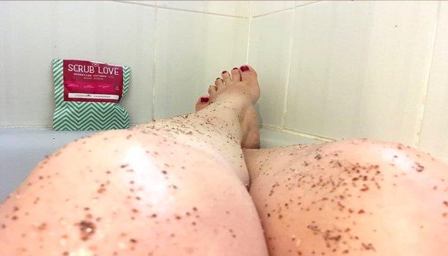scrub love bañera exfoliante natural coco y arándanos cosmetica organica 1
