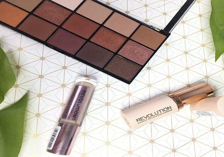 iconic reloaded makeup revolution paleta de sombras eyeshadow fast base foundation base stick conceal and define corrector shape tape