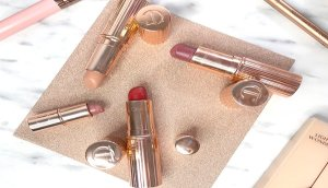 charlotte tilbury review maquillaje airbrush flawless finish opinion labiales charlotte tilbury opinicon pillowtalk 4