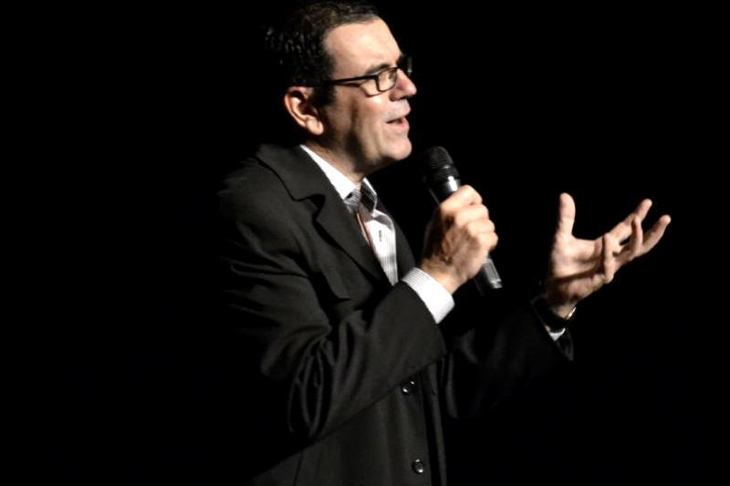 Laureano-Marquez-escritor-y-humorista-venezolano-5-800x533