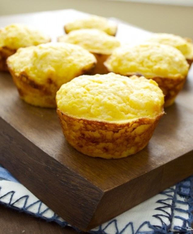 Sweet Potato and White Cheddar Corn Muffins, the perfect savory muffin! #glutenfree www.maebells.com