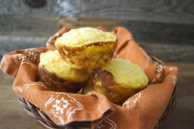 Sweet Potato and White Cheddar Corn Muffins, the perfect savory muffin! #glutenfree www.maebells.com