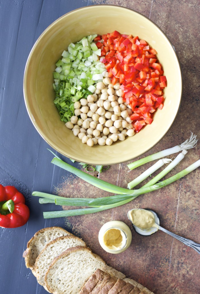 Spicy Chickpea Dijon Salad, the perfect healthy vegetarian snack! #MyMaille #Sponsored
