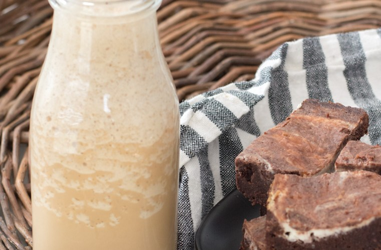 A low carb, Keto Coffee Frappuccino just like Starbucks with less than 2 carbs! #keto A great starbucks copycat!