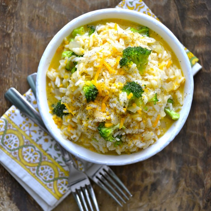 This Creamy Broccoli Cheddar Rice is the perfect easy one pan side dish that is loaded with tender broccoli and sharp cheddar cheese. This easy gluten free side is perfect for even your pickiest eaters!