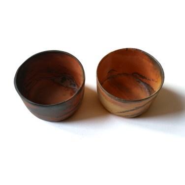deux gobelets bas terre rouge diam 11cm haut 7cm