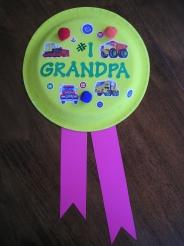 pitturare cornice brillantini : Una delle tante opzioni di coccarda per i nonni: pitturare un piattino ...