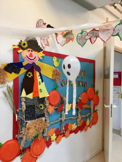 Halloween pannelli e disegni per decorare l 39 aula for Decorare la porta dell aula
