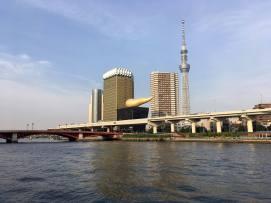 Vue sur la rivière à Asakusa