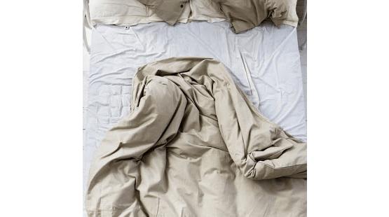 Fängelse för obäddad säng