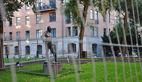 Förbannade statyer