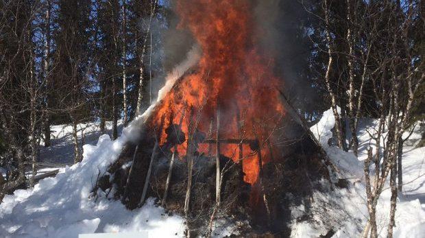 När myndigheter eldar upp en gravplats