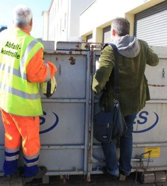 Philippe Roche lässt uns in alle Container blicken