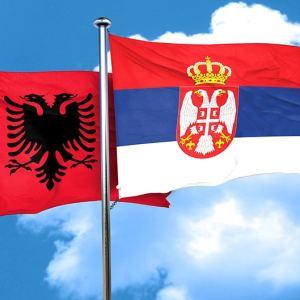 СКАНДАЛ ВО ГРАЧАНИЦА НА ДЕНОТ КОГА ПОЧИНА СРПСКИОТ ПАТРИЈАРХ: Обид да се запали знамето на Србија