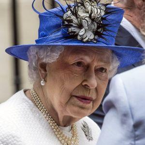 Нова брука во кралството: Кралицата Елизабета се уште не го надмина шокот со  Хари, а веќе ја посрамоти уште еден внук