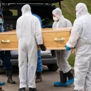 ПОТРЕСНИ ФОТОГРАФИИ: Погребан малиот Исмаил, најмладата жртва на КОРОНА ВИРУСОТ!