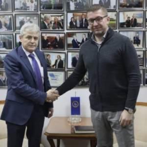 Мицкоски и Ахмети разговараа за ново парламентарно мнозинство!