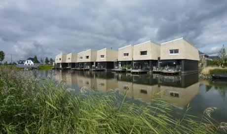 Дома на воде в Голландии