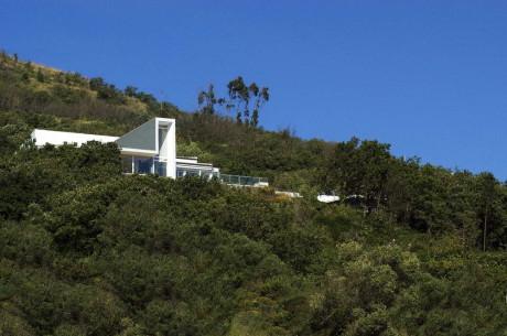 Дом в Малвейре (House in Malveira) в Португалии от ARX Portugal Arquitectos.