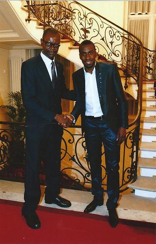 Blaise Matuidi(droite) et Simao Bokolo, à l'ambassade d'Angola  à Paris,en 2014.