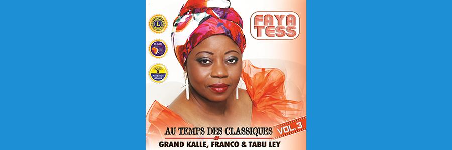 """Chanteuse de référence congolaise Faya Tess: images de dédicace à Paris de son album """"Au temps des Classiques.Volume 3""""."""