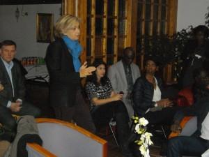 La candidate Valérie Pécresse s'adresse à l'assistance.