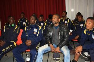 Neuilly-Plaisance: Silo Kami avec une sélection des jeunes footballeurs congolais.