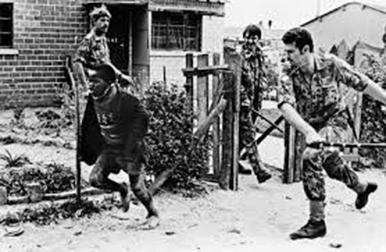 Policiers racistes:jeune Noir de Soweto,en danger.