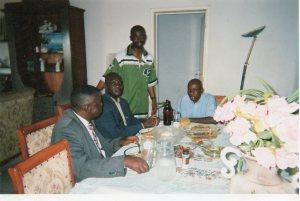 De g.à dr., Muana Wume,général Milamwe Bienvenu,Emile Kalema (débout) et Kabwe Séverin(fondateur ANR)